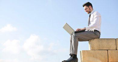 人気のオンライン会議ツール ZoomとWebex Teamsを徹底⽐較︕